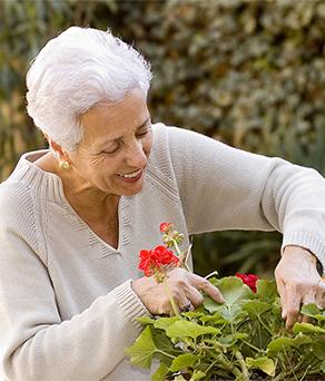 Elderly resident enjoying the best short term rehab in longview, tx